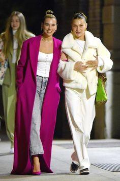 Dua Lipa and Bella Hadid Out in New York 01112020 dualipa celebrity fashion clothing closet celebrityfashion celebritystyle celebritystreetstyle streetfashion streetstyle Bella Hadid News, Bella Hadid Style, Star Fashion, Look Fashion, Fashion Outfits, Celebrity Outfits, Celebrity Style, Celebrity Closets, Bella Hadid Outfits