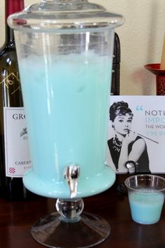 Breakfast at Tiffanys punch. Perfect for any gathering or party. Non alcoholic so it's cute for a little kid's birthday party. 1 gallon Hawaiian blue punch 1 can sweetened condensed milk chilled Tiffany E Co, Tiffany Theme, Tiffany Blue Party, Tiffany Jewelry, Tiffany Blue Punch, Tiffany Co Party Ideas, Tiffany Blue Cakes, Tiffany Sweet 16, Tiffany Outlet