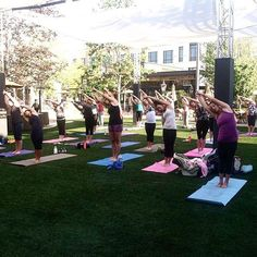 #ThisSaturday (May 28th) kicks off Yoga in Fountain Square with Axiom at @villageatmeridian! Class goes from 9 AM - 10 AM. (PS-its FREE!) Tag a friend you want to do this class with! 💪🏽#ThisIsBoise #BOREDDONTBLAMEUS