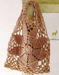 Lavori all'uncinetto: borse - Borsa crochet con ricamo a fiore
