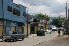 Los hechos se registraron después de las 12:30 horas en la calle Margarita Maza de Juárez de la colonia Niño Artillero, a unos metros de la Avenida Madero Poniente; la ...