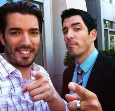 Jonathan Scott Property Brothers | Tune in tnite on HGTV at 9 and watch #TeamDrew take down #TeamJonathan ...