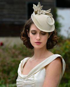 Wedding Hat white felt hat por behidadolicmillinery en Etsy