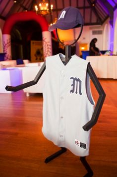 Metal figures with sports shirts are great for decor! Love this!!!