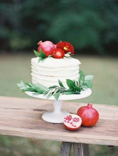 #pomegranate #cake | Winter Rose Inspiration by Jennifer Pharr via @MagnoliaRouge