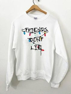 Friends Dont Lie Crewneck Sweatshirt - - Source by Diy Sweatshirt, Sweat Shirt, Crew Neck Sweatshirt, Stranger Things Funny, Stranger Things Netflix, Teen Fashion Outfits, Girl Outfits, Vetement Fashion, Quality T Shirts