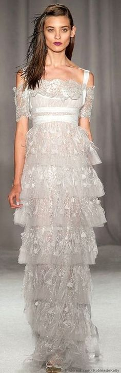 1.Marchesa | S / S 2014 | Ruffles e Layers  -The concept of layering ruffles is similar to the skirt of Minoan goddess of snake. Although it's been made into a dress with less volume and less layers.