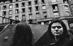 Josef Koudelka - Czechoslovakia, Prague, Invasion by Warsaw Pact troops. Prague Spring, Fotojournalismus, Classic Photographers, Elliott Erwitt, Warsaw Pact, Photographer Portfolio, Art Institute Of Chicago, Magnum Photos, Photojournalism
