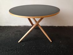 Dining table Jürg Bally | DesignAddict