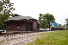 Amtrak train station off College Ave. Alton Illinois, Southern Illinois, College Station, Ghost Hunting, Ways To Travel, Train Station, Mississippi, Trains, Hug