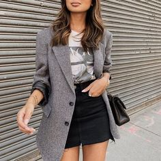 Blazer - t-shirt - black skirt Blazer Outfits Casual, Hm Outfits, Black Skirt Outfits, Sunday Outfits, Fashion Outfits, Urban Chic Outfits, Looks Jeans, Look Blazer, Looks Plus Size