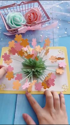 Paper Flowers Craft, Paper Crafts Origami, Flower Crafts, Paper Folding Crafts, Paper Flower Art, Cool Paper Crafts, Oragami, Diy Crafts Hacks, Diy Crafts For Gifts