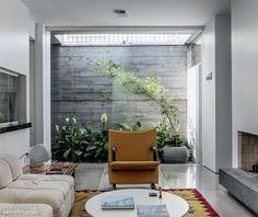 Reforma integra casa dos anos 70 à área verde externa - Casa