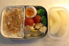 Kindergarten bento – Chicken burger (12/Sep/16) | SMALL TOKYO KITCHEN