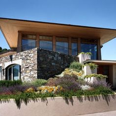 Belvedere Residence Contemporary Front Facade Garden by Sutton Suzuki Architects Architecture Art Nouveau, School Architecture, Architecture Plan, Residential Architecture, Amazing Architecture, Landscape Architecture, Spas, Design Light, Fantasy Warrior