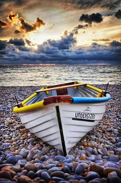58 Best Ideas For Wooden Boats Building Photography Beach Pictures, Nature Pictures, Beautiful Pictures, Wilderness Systems, Old Boats, Boat Art, Boat Painting, Wooden Boats, Boat Building