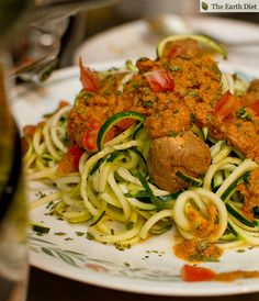 ♥Recipe for Walnut/tomato zucchini pasta♥ Benefits: + Raw; + Vegan; + Meat Free; + Easy to digest; + Loaded with nutrition; + Great quick snacks; + Omega 3 essential fatty acids; + Good for weight loss; + Prevents constipation; + Anti Inflammatory; + High in vitamin A and C; + Powerful anti-oxidant ; + Relieves stress; + Good for the skin and hair; + High in vitamin C; + Good for the brain; + High in vitamin E;
