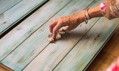 How to make aged furniture - Make vintage furniture - Decap wood - El CÃ . Recycled Furniture, Vintage Furniture, Painted Furniture, Furniture Making, Diy Furniture, Paint Recycling, Earthship, Diy Wood Projects, Vintage Industrial