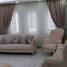 Pembe Renk ile Dekore Edilmiş Evlerden Fotoğraf Elegant ambience with pastel colors. New home, Decor Home Living Room, Living Room Sofa Design, Pink Home Decor, Living Room Colors, Home Decor Furniture, Living Room Designs, Bedroom Decor, Donia, Home Curtains