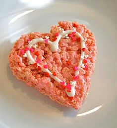 Chef Mommy: Heart Shaped Rice Krispie Treats