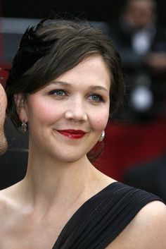 maggie gyllenhaal- make up Get The Guy, Maggie Gyllenhaal, World Most Beautiful Woman, Secret Crush, Many Faces, Top Knot, Get Dressed, Picture Photo, Bella