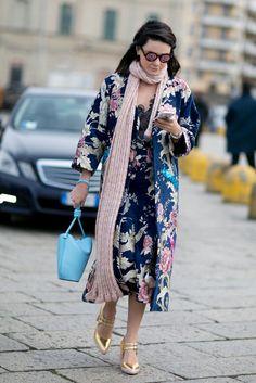 A floral kimono, long scarf, and metallic heels.