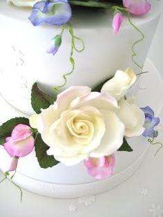 Wedding cake made by Gillian Bell cake girl. #organic #wedding #cake http://www.cakegirl.com.au/ #Brisbane