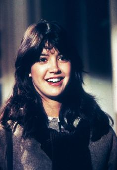 Phoebe Cates in Gremlins Gremlins, Phoebe Cates Fast Times, Beautiful People, Beautiful Women, Cute Brunette, Girls Magazine, Jennifer Connelly, Celebs, Female Celebrities