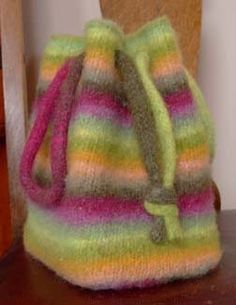 Free Knitting Pattern - Bags, Purses & Totes: Booga Bag
