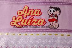 Toalha de Banho bordada em Ponto Russo, tema: Mônica - Facebook: Biartes Bordados