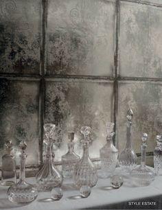 Pikkuvessaan? ja alapuolelle jotain ? Oisko Cole ja son. Lee Jofa's Modern Wallpapers — Style Estate
