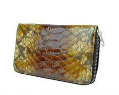 Kožená-peňaženka-disponuje-praktickými-priečinkami-na-doklady-a-mince.-Vhodná-ako-elegantný-a-moderný-darček.-2 Zip Around Wallet, Fashion, Moda, Fashion Styles, Fashion Illustrations