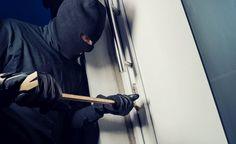 Thalheim bei Wels: Einbrecher stahlen Bargeld, Schmuck und Uhren in Einfamilienhaus