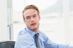 La spossatezza può dipendere da notti in bianco o da ragioni mediche, ma spesso basta aggiustare lo stile di vita per ritrovare un po' di energie. Andate a dormire presto dopo una lunga e pro…