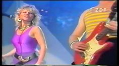 Mike Oldfield & Anita Hegerland - Pictures In The Dark (LIVE) (HD) (1985)