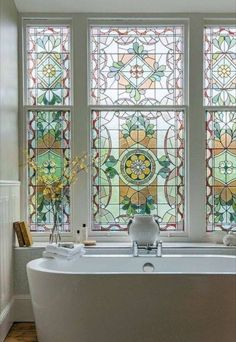 30 Amazing Glass Window Design Ideas For Your Lovely Home /. Adorable 30 Amazing Glass Window Design Ideas For Your Lovely Home /… Dream Home Design, My Dream Home, House Design, Georgian Townhouse, Georgian Homes, Townhouse Interior, Window Design, Stained Glass Windows, Window Glass
