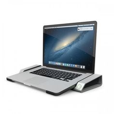 Horitzonal-Dock-MBPR-Front-with-Laptop