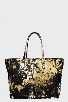 Zadig et Voltaire large shopping bag, with interior pockets in suede and interior clutch with doghook, engraved rivets on the front, height 30 cm, depth 30 cm, handles length 46 cm, 100% cow split leather