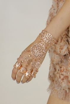 Pretty but don't think I could pass this off! It would look funny on me!! MB!: Pretty