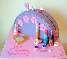 Make up bag cake   Flickr - Photo Sharing!