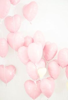 Love heart balloons in one of our favourite colours! Pastel Pink!
