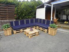 Lia en Jancito - outdoor sofa set from pallets    #Garden, #Pallet, #Sofa