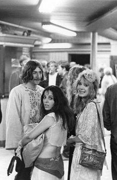 pamela des barres & miss sandra of the GTOs 1968 Famous Groupies, Pamela Des Barres, Hippie Man, 70s Aesthetic, Wife And Girlfriend, Almost Famous, Glam Rock, 70s Fashion, Rock And Roll