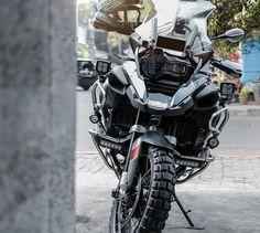 BMW GS sur Instagram : BMW R1200GS ADVENTURE . . . Credit: @gaberizky #makelifearide #bmw #r1200gsa #bmwgram #bmwgsfans #bmwmotorrad #r1200gs #Adventure…