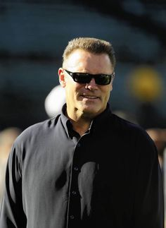 TV analyst and former NFL player Howie Long, father of Bears offensive guard Kyle Long