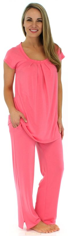 PajamaMania short sleeve pajamas are wrinkle-free with a relaxed fit, luxuriously soft feel, and tag free comfort. Perfect for summer nights!