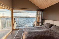 Cómo vivir junto a un lago en Islandia. Hoy la casa Kálfaströnd te da ejemplo. #arquitectura