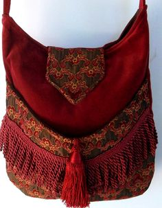 Brick Red and Burgundy Tapestry Gypsy Bag Rose Fringe Bag Bohemian large bag renaissance bag messen « Womennn Fashion Bags, Boho Fashion, Mundo Hippie, Renaissance, Gypsy Bag, Ethno Style, Carpet Bag, Look Boho, Bags Online Shopping