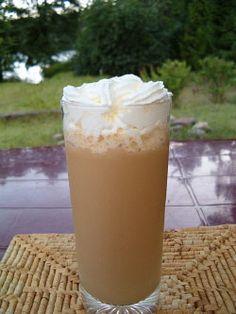 Mrożona kawa o pysznym karmelowym aromacie - MniamMniam.pl