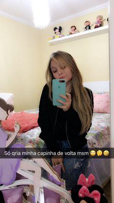 Larissa Manoela via Snapchat (larimanoella)